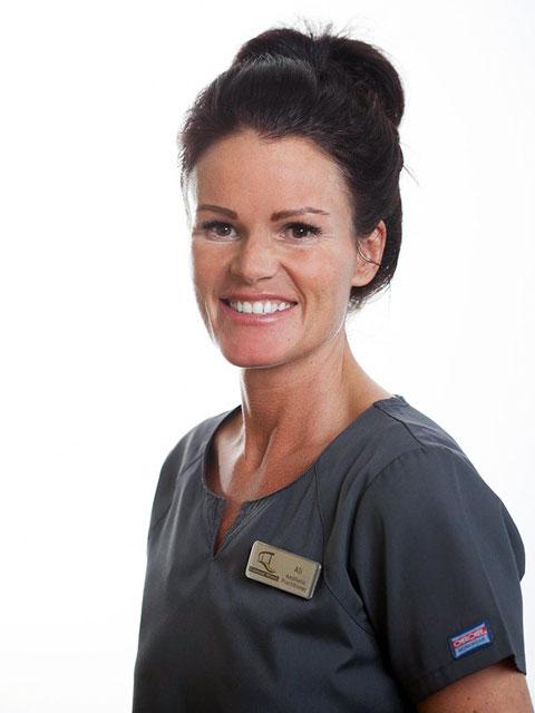 Alison Royes, Hygienist